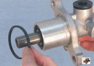 уплотнительная манжета главного тормозного цилиндра Лада Калина ВАЗ 1118