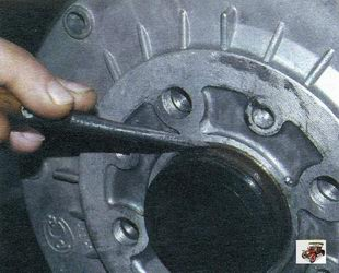 снятие и установка тормозного барабана заднего колеса Лада Калина ВАЗ 1118