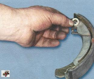 опорная шайба пальца приводного рычага задней тормозной колодки Лада Калина ВАЗ 1118