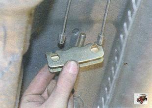 уравнитель троса стояночного тормоза Лада Калина ВАЗ 1118