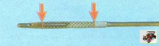 масляный щуп на двигателе ВАЗ 21126
