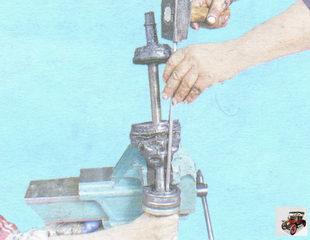 замена ШРУСа (шарнир равных угловых скоростей)
