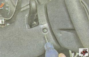 снятие и установка кожуха рулевой колонки Лада Гранта ВАЗ 2190