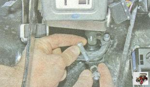 стяжной болт клеммового соединения рулевой колонки Лада Гранта ВАЗ 2190