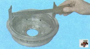 измерьте диаметр рабочей поверхности тормозного барабана