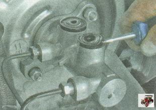 соединительные втулки отверстий главного тормозного цилиндра