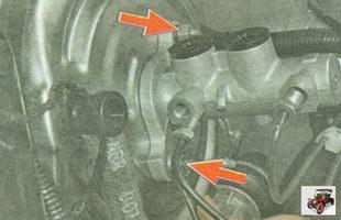 гайки крепления главного тормозного цилиндра к вакуумному усилителю тормозов