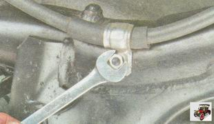 замена троса ручного тормоза