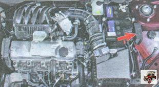 блок силовых предохранителей в моторном отсеке Лада Гранта