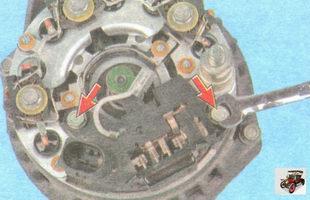 болты крепления реле регулятора напряжения генератора