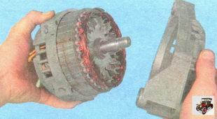 крышка генератора со стороны привода (в сборе с подшипником генератора)
