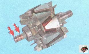 осмотрите контактные кольца ротора генератора