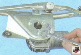 замена моторедуктора стеклоочистителя Лада Гранта ВАЗ 2190