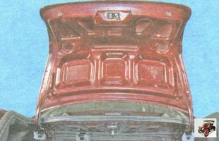откройте крышку багажника Лада Гранта ВАЗ 2190