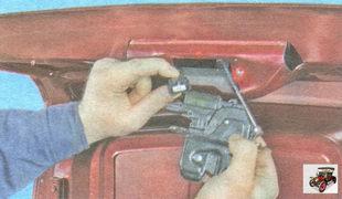 разъем жгута проводов привода замка крышки багажника