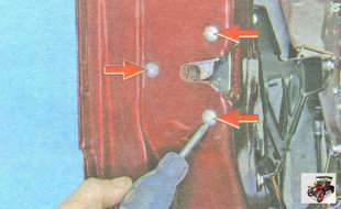 винты крепления замка к каркасу двери