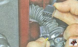 разъемы жгута проводов задней двери
