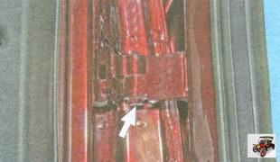болт крепления верхней петли к задней двери Лада Гранта ВАЗ 2190