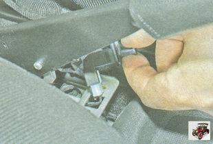 выключатель включения лампы стояночного тормоза Лада Гранта ВАЗ 2190