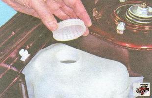 крышка бачка омывателя