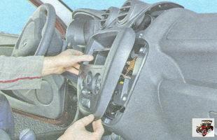 центральная накладка консоли панели приборов Лада Гранта ВАЗ 2190