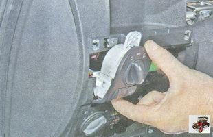 снимите блок управления наружным освещением