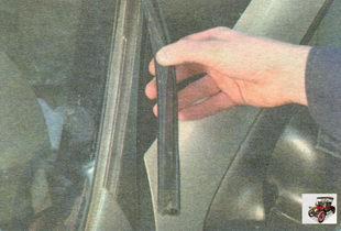 боковые уплотнители лобового стекла Лада Гранта ВАЗ 2190