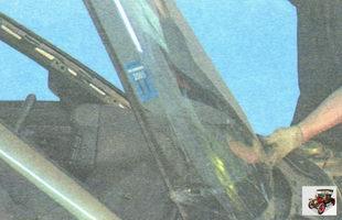 снимите лобовое стекло с автомобиля Лада Гранта ВАЗ 2190