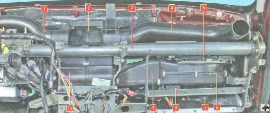 Элементы системы отопления, кондиционирования и вентиляции, расположенные в салоне Лада Гранта ВАЗ 2190