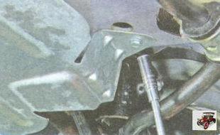 болты заднего крепления средней защиты двигателя