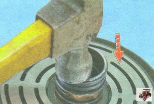 напрессуйте шкив на переднюю крышку компрессора кондиционера