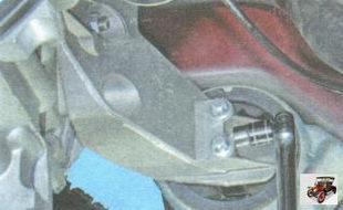 болты крепления подушки левой опоры двигателя к кронштейну