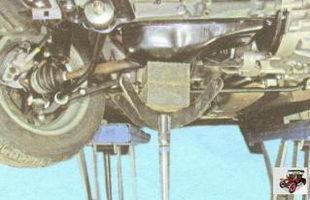 снятие подушки правой опоры двигателя