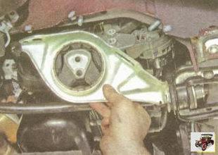 подушка правой опоры двигателя