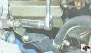 гайка крепления к впускному коллектору кронштейна соединительной трубы системы охлаждения