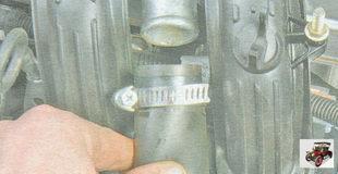 шланг системы вентиляции картера