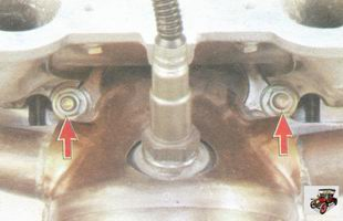 нижние гайки крепления впускного коллектора и катколлектора