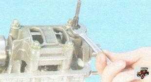 шпилька головки блока цилиндров