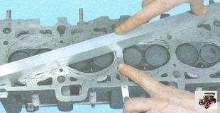 проверка плоскостность поверхности головки блока цилиндров