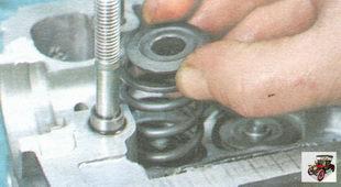 верхняя тарелка пружины клапана, наружняя и внутренняя пружины клапана