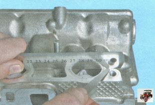 проверка плоскостности привалочных поверхностей головки блока цилиндров под впускной коллектор