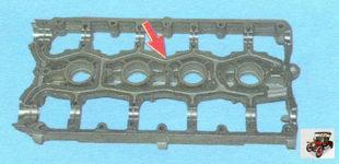 масляный канал в корпусе подшипников распредвалов