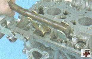 приспособление для сжатия пружин клапанов