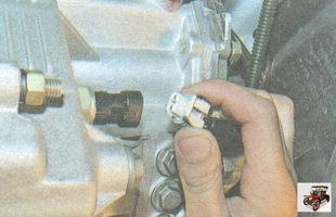 разъем выключателя света заднего хода на коробке передач