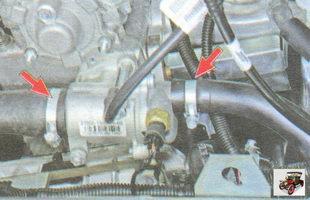 проверьте надежность соединения шлангов с корпусом термостата