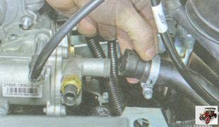 шланг патрубка крышки термостата