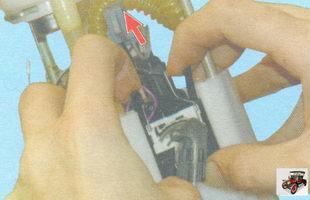 фиксаторы датчика уровня топлива лада гранта ваз 2190