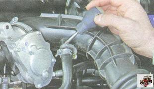 хомут шланга системы вентиляции картера двигателя
