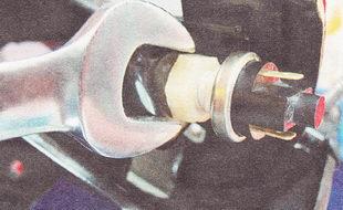 контргайка концевого выключателя педали тормоза