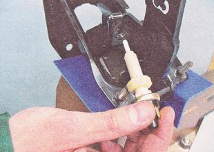 концевой выключатель педали тормоза ВАЗ 2112